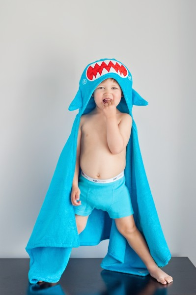 Sherman le requin serviette enfant